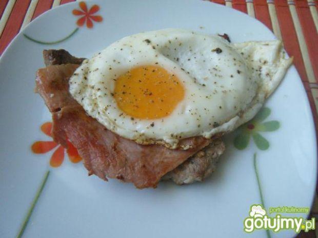 Przepis  kotlet schabowy z sadzonym jajkiem przepis