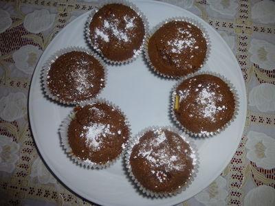 Muffinki czekoladowe z budyniem i jabłkami