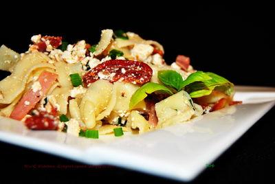 Makaron tagliatelle z ricottą i suszonymi pomidorami ...