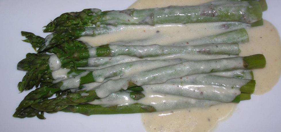 Szparagi w sosie serowym (autor: izabela77)