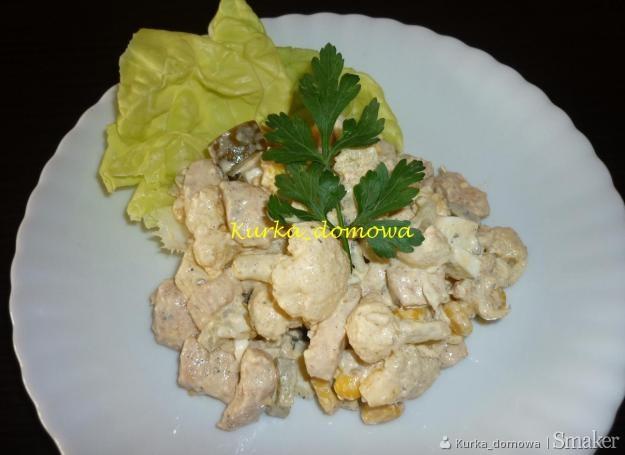Sałatka z kalafiorem i kurczakiem