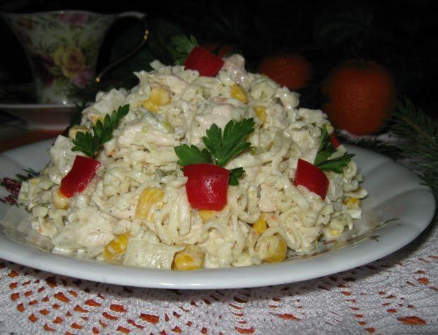 Przepis  sałatka z kurczakiem i ananasem przepis