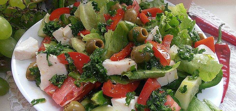 Kolorowa sałatka z mozzarellą i oliwkami (autor: 2milutka ...