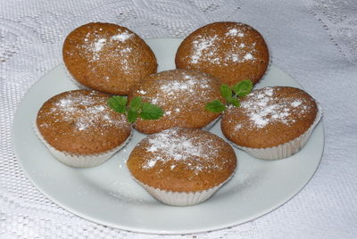 Muffinki cappuccino z chałwowym nadzieniem ...