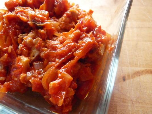 Śledzie w miodzie i pomidorach