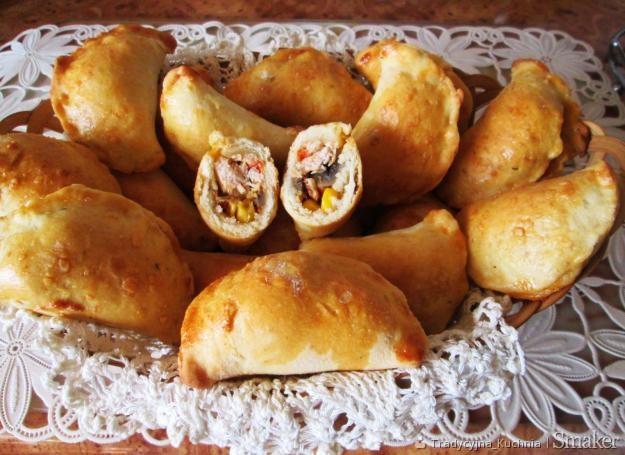 Pierogi Pieczone Z Kuchni Meksykanskiej Przepis Ze Smaker Pl