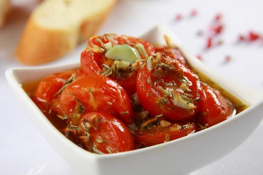Tapas: pomidorki zapieczone