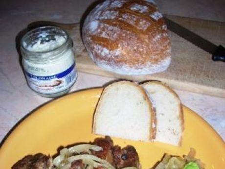 Przepis kulinarny: żeberka duszone z cebulą. gotujmy.pl