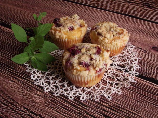 Przepis  serowe muffiny z wiśniami z kompotu przepis
