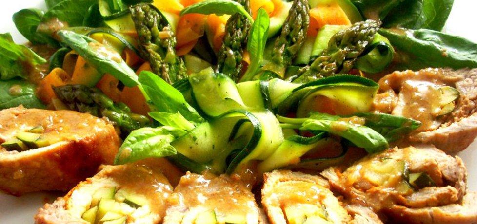 Roladki schabowe z bukietem warzyw (autor: smacznapyza ...