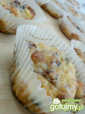 Przepis  pikantne muffinki z niespodzianką przepis