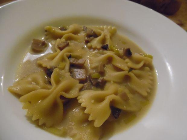 Przepis  aromatyczna zupa pieczarkowa przepis