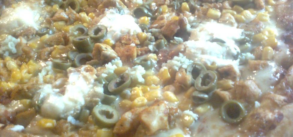 Pizza z pieczonym kurczakiem i mozzarellą (autor: goofy9 ...