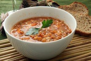 Zupa z czerwonej soczewicy  prosty przepis i składniki