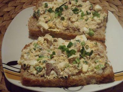 Tradycyjna pasta z wędzonej makreli