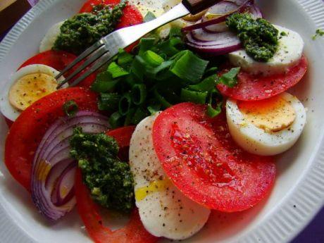 Przepis  pomidory z mozzarellą i jajkiem przepis