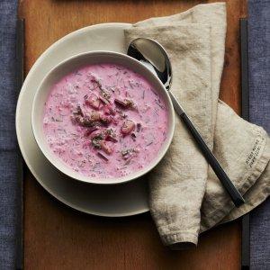 Chłodnik z botwiny  na jogurcie  prosty przepis i składniki