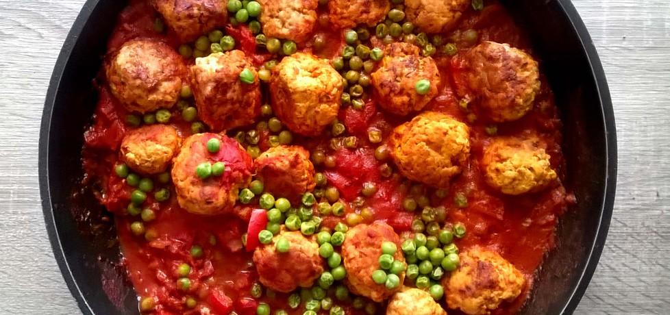 Pulpety z indyka w orientalnym pomidorowym sosie z warzywami ...