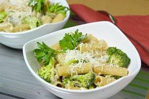 Makaron z brokułami  prosty przepis i składniki