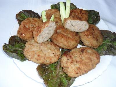 Kotlety rybne z dodatkiem mięsa wieprzowego
