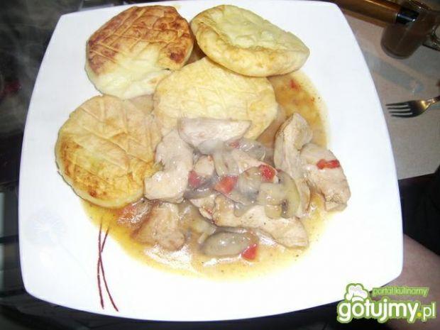 Przepis  placki z ziemniaków z gulaszem przepis