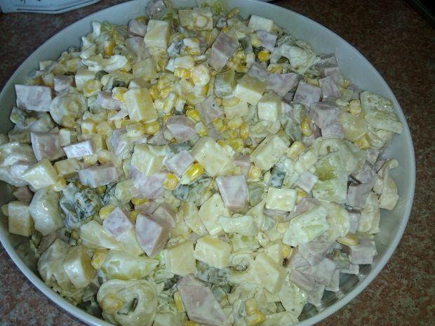 Przepis  sałatka z grzybowym tortellini przepis