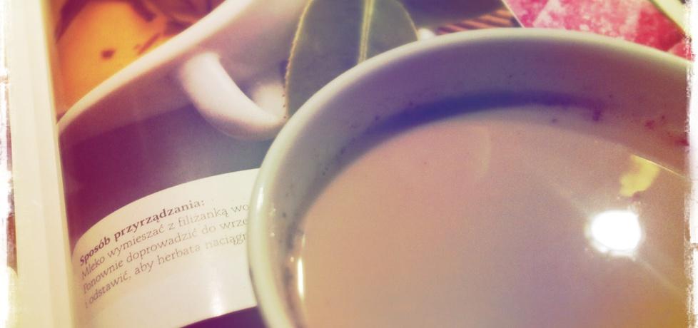 Herbata z mlekiem i kardamonem (autor: paulinajoanna ...