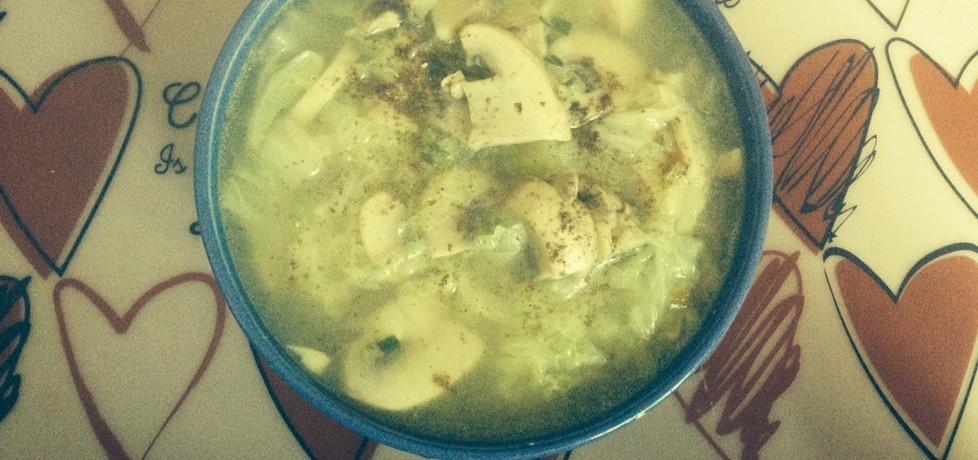 Zupa z kapusty pekińskiej i pieczarek (autor: monikalangier ...