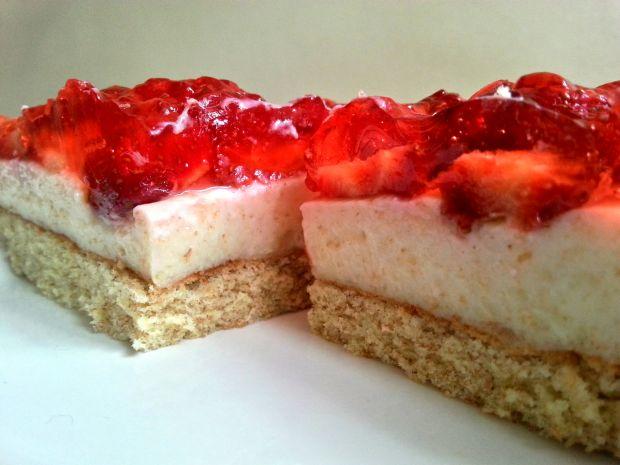 Przepis  ciasto budyniowo truskawkowe przepis