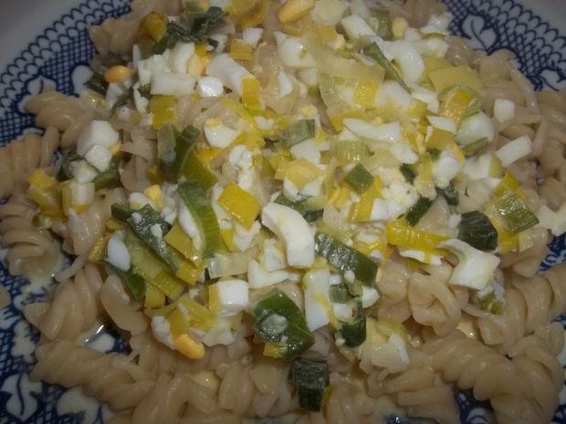 Przepis  makaron z sosem serowo