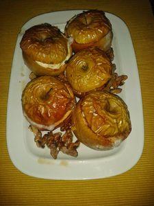 Pieczone jabłka nadziewane twarożkiem z żurawiną ...
