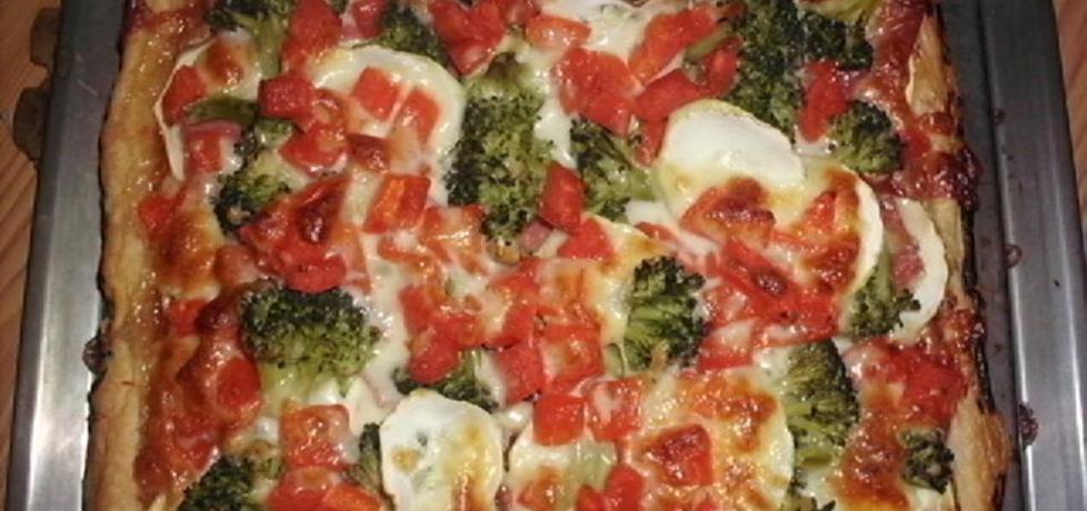 pizza na cieście francuskim (autor: renataj)