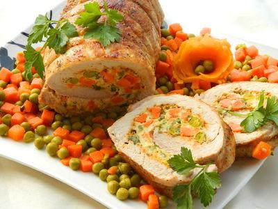 Rolada schabowa z warzywami