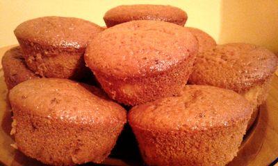 Muffinki kakaowe z budyniem