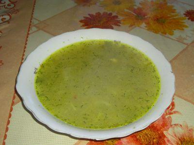 Smaczna i szybka zupa z zacierkami
