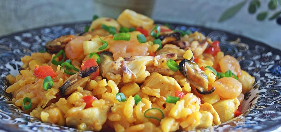 Paella z kurczakiem i owocami morza (autor: violcia ...
