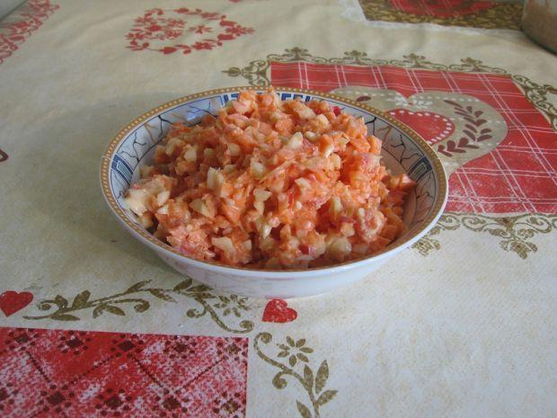 Przepis  surówka z marchewki, papryki i selera przepis