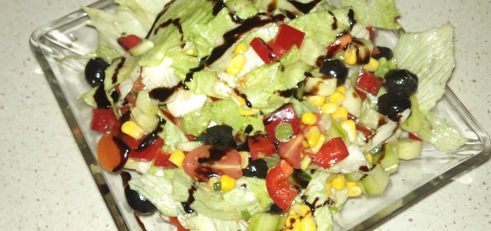 Sałata nie tylko z mozzarellą (autor: onyzakare)