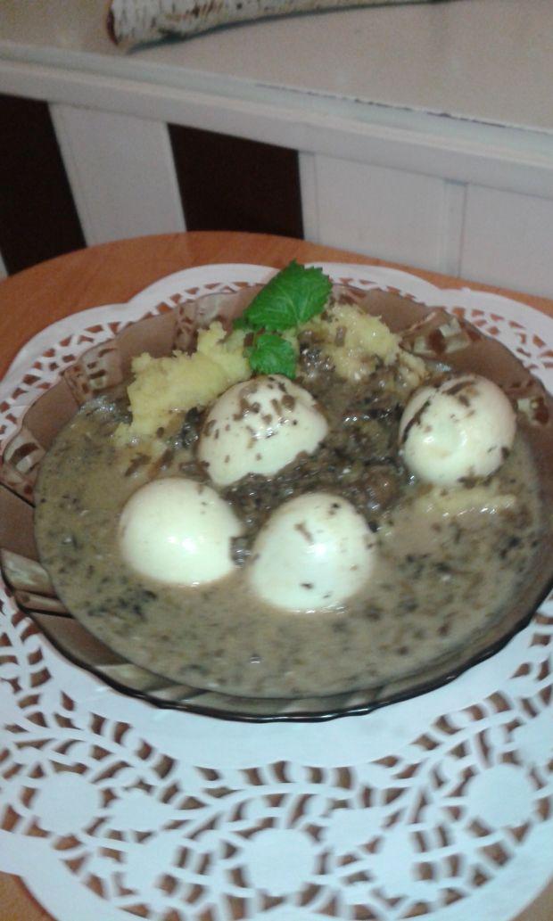 Przepis  jajka w sosie grzybowym przepis