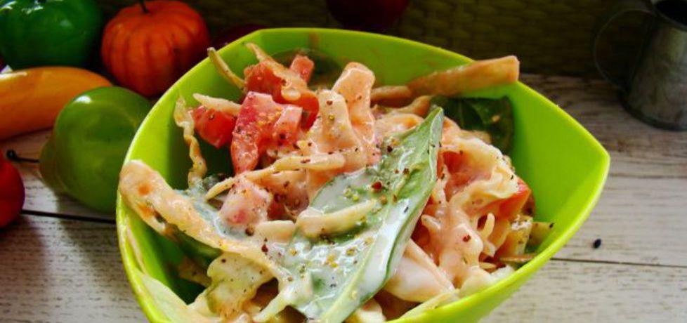 Sałatka z szpinaku i sałaty z salsa rosa (autor: iwa643 ...
