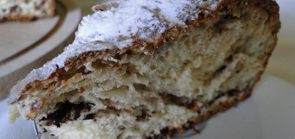 Drożdżowe ciasto z czekoladą i rodzynkami w rumie (autor ...