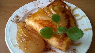 Naleśniki z serem i gruszkami karmelizowanymi