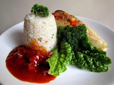 Biała papryka faszerowana mięsem i serem