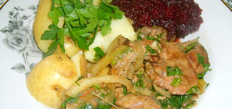 Młode ziemniaki z wątróbką i buraczkami... (autor: w-mojej