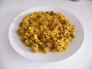 Ryż z tuńczykiem i kukurydzą  prosty przepis i składniki