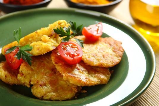 Kotleciki ryżowe z boczkiem i serem