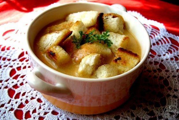Przepis  zupa jarzynowa krem z grzankami przepis