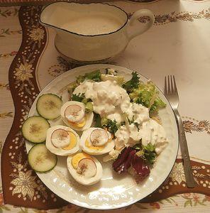 Błyskawiczna sałatka z sałat z mozzarellą
