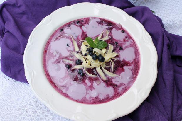 Zupy: zupa jagodowa z makaronem