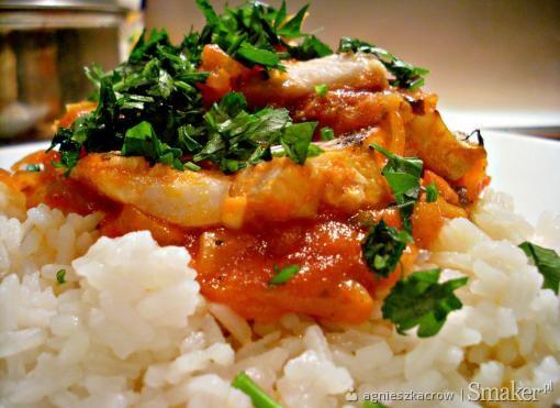 Ryba pieczona w pomidorach